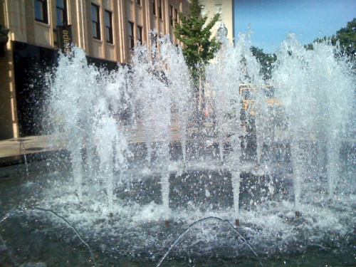 Nicki's Central West End Guide Events, Sightings For Children Web/Tech  Wet Design The Strominator Maryland Plaza Fountain David Strom